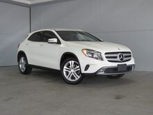 2016_Mercedes-Benz_GLA_GLA 250_ Kansas City KS