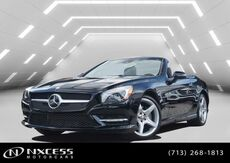 2016_Mercedes-Benz_SL_SL 550 AMG Sport Blind Spot,Panorama Warranty._ Houston TX