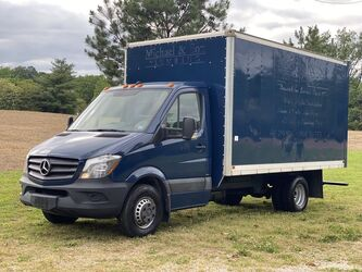 Mercedes-Benz Sprinter 14' Box Truck  2016