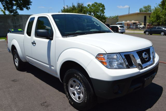 2016 Nissan Frontier S King Cab I4 5AT 2WD Houston TX