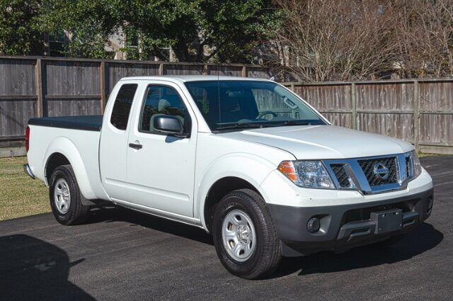 2016 Nissan Frontier SV King Cab I4 5MT 2WD Houston TX