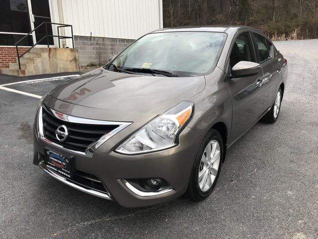 2016 nissan versa sl covington va 15434925. Black Bedroom Furniture Sets. Home Design Ideas