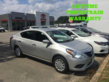 2016_Nissan_Versa_SV_ Paris TN