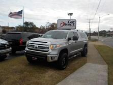 TOYOTA TUNDRA SR5, BUY BACK GUARANTEE AND WARRANTY, CD PLAYER, SIRIUS, BLUETOOTH, TOW PGK, LIFTED ONLY 38K MILES! 2016