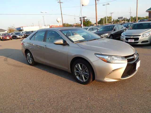 2016 Toyota Camry SE St. Cloud MN