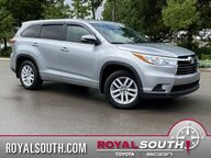 2016 Toyota Highlander LE V6 Bloomington IN