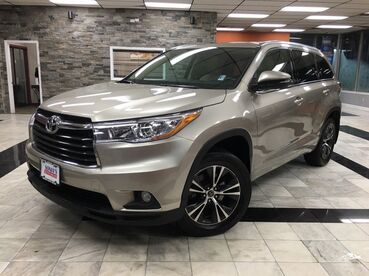 2016_Toyota_Highlander_XLE_ Worcester MA