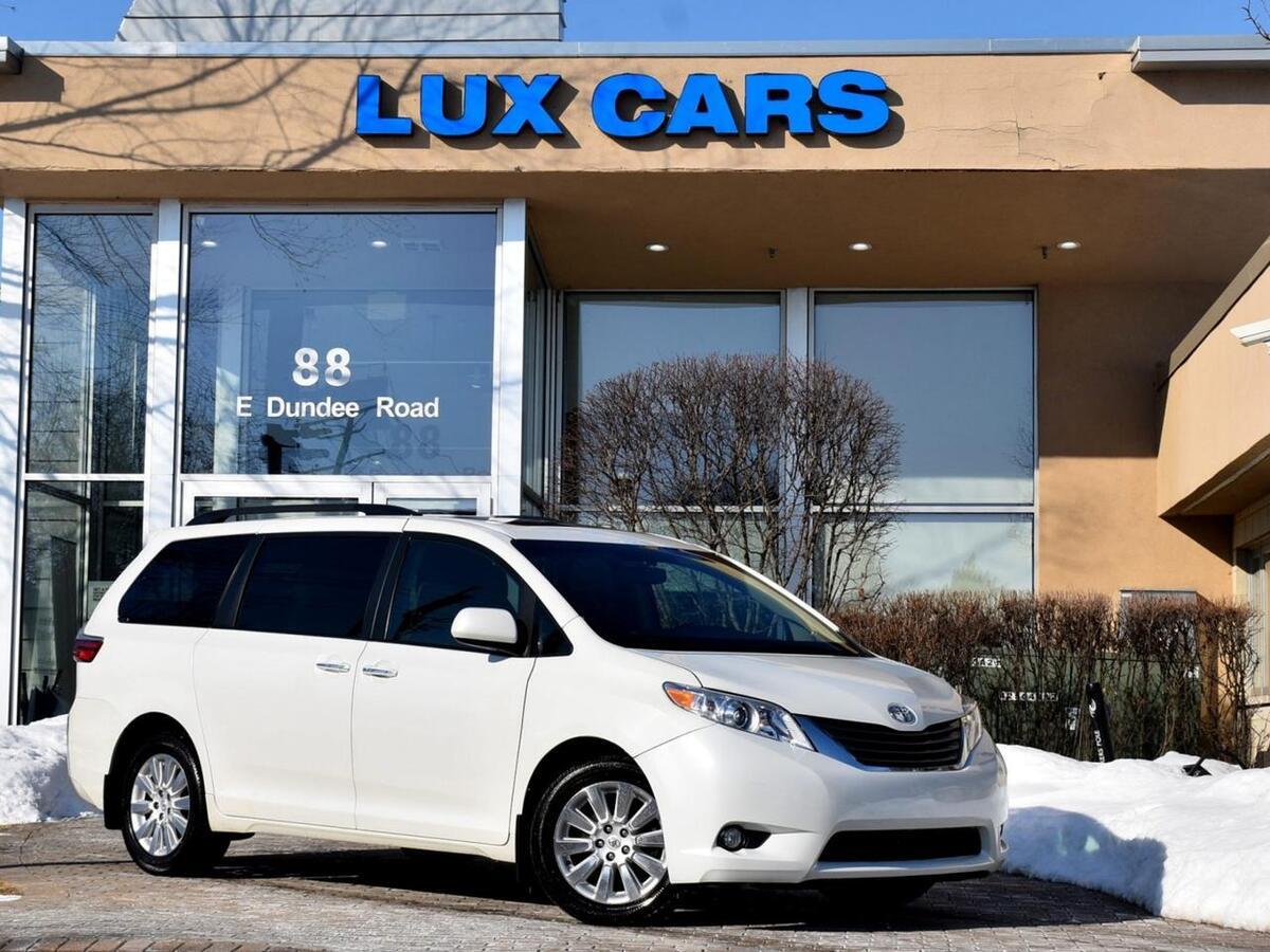 2016_Toyota_Sienna_XLE Premium Nav Rear DVD AWD MSRP $43,218_ Buffalo Grove IL