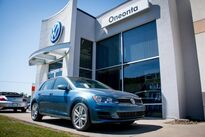 Volkswagen Golf TSI S w/Sunroof 2016
