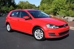 2016_Volkswagen_Golf_TSI SE_ Easton PA