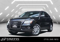 2017_Audi_Q5_Premium Pano Roof Warranty. Msrp $42580._ Houston TX