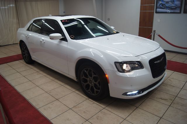 2017 CHRYSLER 300 Certified 84mo 100k miles S WITH SKYVIEW AND NAVIGATION Charlotte NC