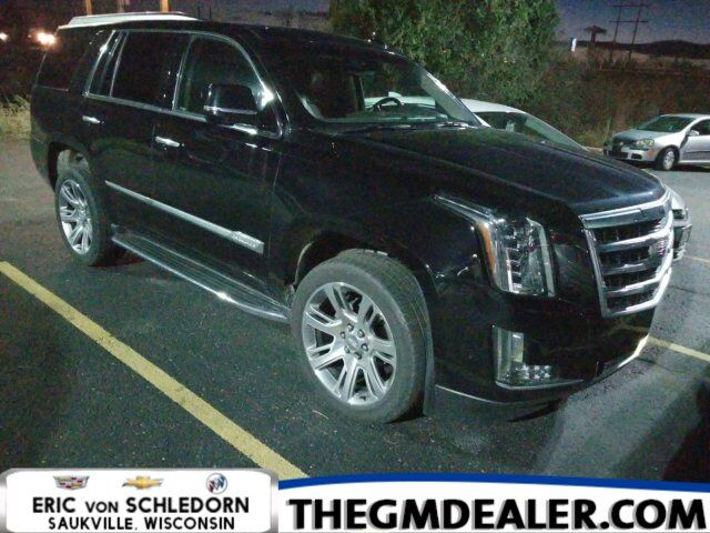2017 Cadillac Escalade Luxury 4WD KonaBrownInterior w/Sunroof Nav 22s HtdCldMemLthr CUE SurroundVision Milwaukee WI