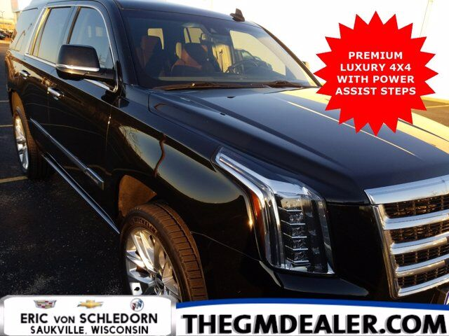 2017 Cadillac Escalade Premium Luxury 4WD w/PwrRtractSteps Sunroof Nav DVD HtdCldMemLthr CUE SurroundVision Milwaukee WI