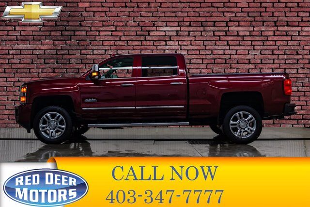 2017 Chevrolet Silverado 2500HD 4x4 Crew Cab High Country Leather Roof Nav Red Deer AB