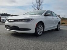 2017_Chrysler_200_LX_ Columbus GA