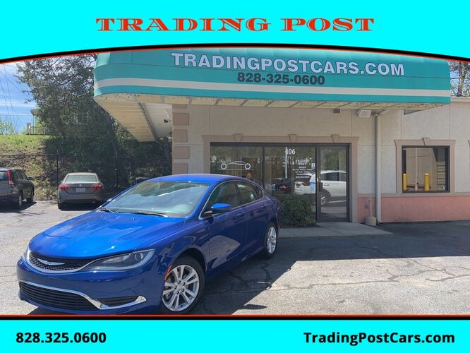 2017_Chrysler_200_Limited Platinum_ Conover NC