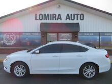 2017_Chrysler_200_Limited Platinum_ Lomira WI