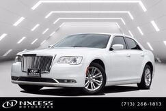 2017_Chrysler_300_Limited V6 Sedan Pano Roof Low Miles 1 Owner Clean Carfax!_ Houston TX