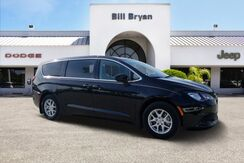 2017_Chrysler_Pacifica_LX FWD_ Leesburg FL