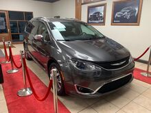 2017_Chrysler_Pacifica_Limited_ Charlotte NC