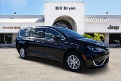 2017_Chrysler_Pacifica_TOURING PLUS_ Leesburg FL