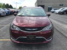 2017_Chrysler_Pacifica_Touring-L_ Milwaukee and Slinger WI
