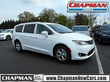 2017_Chrysler_Pacifica_Touring-L Plus_  PA