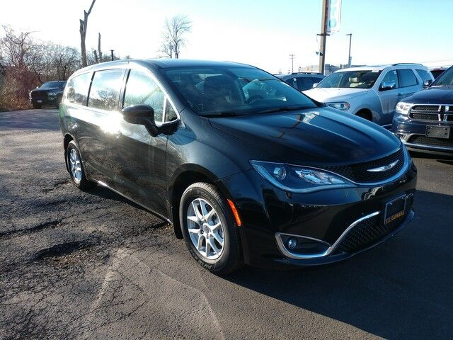 2017 Chrysler Pacifica Touring Plus Watertown NY