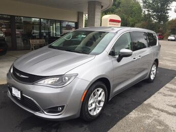 2017_Chrysler_Pacifica_Touring Plus_ Cape Girardeau
