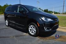 2017 Chrysler Pacifica Wheelchair Van Touring-L Conyers GA