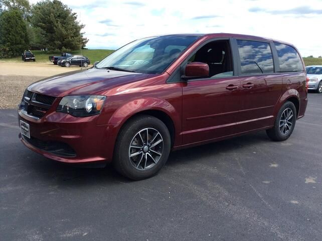 2017 DODGE GRAND CARAVAN SE Plus Viroqua WI