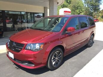 2017_Dodge_Grand Caravan_SE_ Cape Girardeau