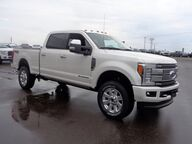 2017 FORD F-350 4X4 CREW CAB PICKUP/ Osseo WI