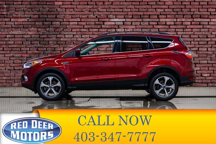 2017 Ford Escape AWD SE Roof Nav BCam Red Deer AB