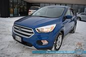 2017 Ford Escape SE / 4WD / Auto Start / Heated Seats / Panoramic Sunroof / Bluetooth / Back Up Camera / Block Heater / Tow Pkg / 28 MPG / Low Miles / 1-Owner