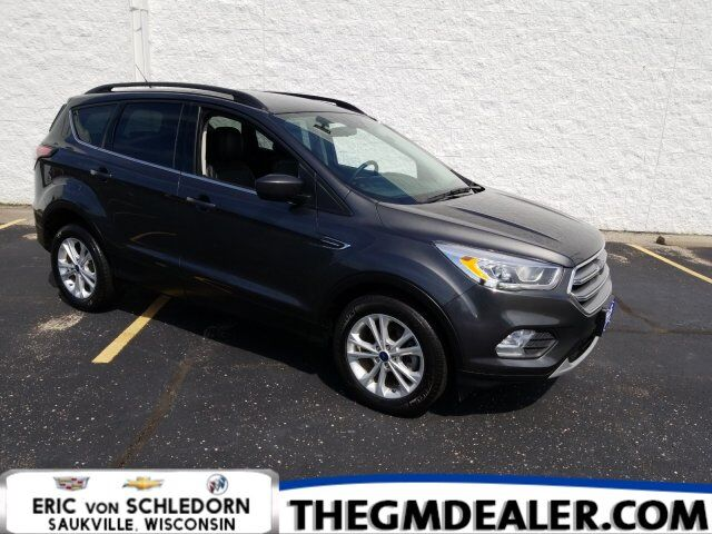 2017 Ford Escape SE FWD 1.5L EcoBoost Technology LeatherComfortPkgs w/HtdLthr SYNC RearCamera Milwaukee WI