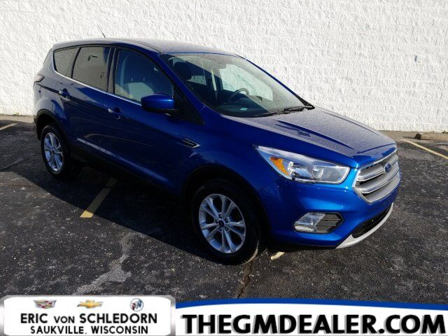 2017 Ford Escape SE FWD 1.5L EcoBoost wRemoteStart HtdCloth RearCamera Milwaukee WI