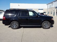 2017_Ford_Expedition_4x4 XLT: 3.5L ECOBOOST-MOON-BENCH-THIRD-REVERSE CAMERA-CLOTH-CD PLAYER-4X4_ Fond du Lac WI