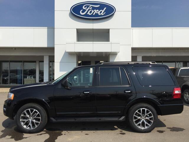 2017_Ford_Expedition_XLT 4X4_ Edmonton AB