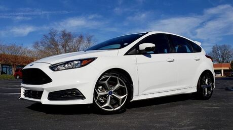 2017 Ford Focus ST / TURBO 4-CYL / 6-SPD MAN / 18K MILES Charlotte NC