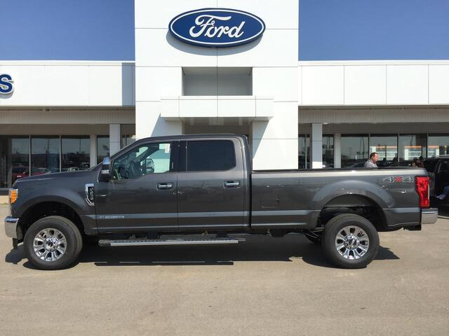2017_Ford_Super Duty F-250 SRW_Lariat Ultimate 4X4_ Edmonton AB