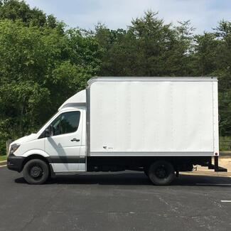 Freightliner Cab Chassis with Box 3500X 2017