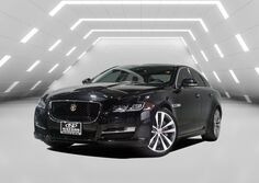 Jaguar XJ XJ R-Sport Warranty All Serviced Records. 2017