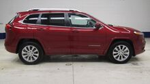 2017_Jeep_Cherokee_4x4 Overland: 3.2L-NAV-MOON-BENCH-REVERSE CAMERA-LEATHER-4X4-1 OWNER_ Fond du Lac WI