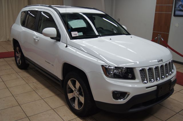 2017 Jeep Compass HIGH ALTITUDE 4WD WITH NAV AND ROOF Charlotte NC