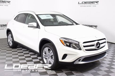 2017_Mercedes-Benz_GLA-Class_GLA 250 4MATIC®_ Chicago IL