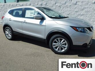 2017_Nissan_Rogue Sport_S_ Lee's Summit MO