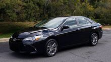 2017_Toyota_Camry_SE / 4-CYL / SUNROOF / CAMERA / NEW TIRES_ Charlotte NC