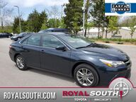 2017 Toyota Camry SE w/Sunroof Bloomington IN